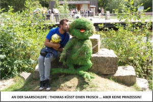 Globe Théâtre - Lili Engel im Saarland - Thomas küsst einen Frosch